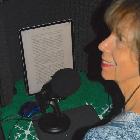 nicole-in-her-recordingstudio